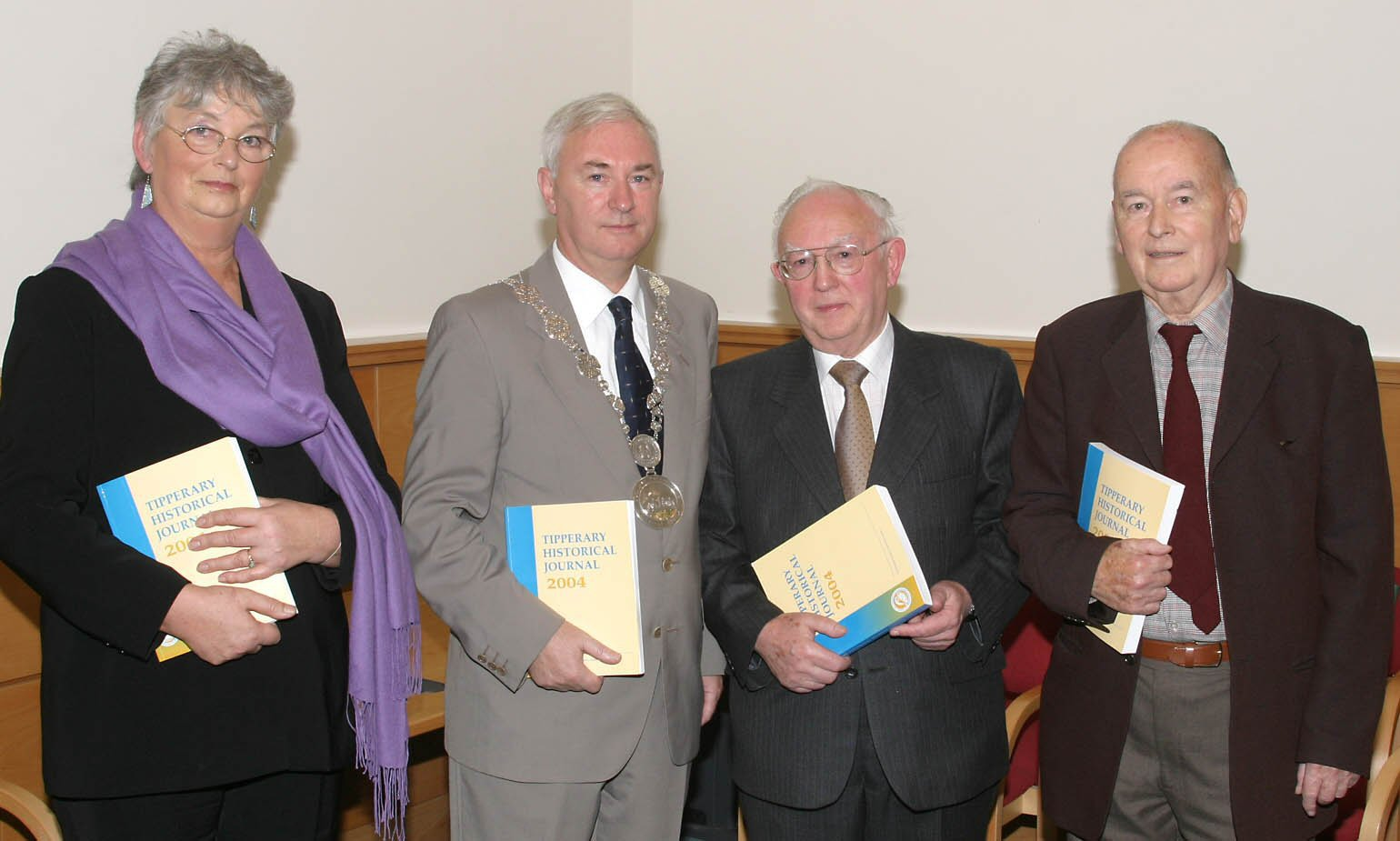 The Tipperary Historical Journal Is Officially Launched In Cashel Town Council By The Mayor Of Cashel In November, 2004. Pictured Above At The Launch Are Dr. Carmel Quinlan [Editor]; Cllr. Tom Woods, Mayor Of Cashel; Liam Ó Duibhir [Chairman]; Marcus Bourke [President].